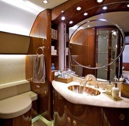 Bathroom-on-the-Corporate-Jet