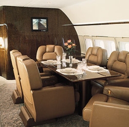 Private-Jet-Charters-to-the-Kentucky-Derby_bottom